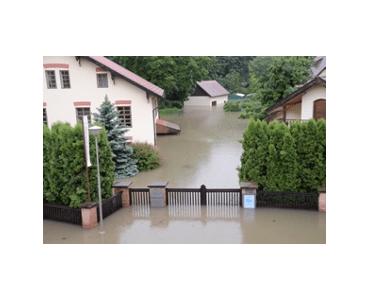 První velká povodeň v roce 2002 zalila celý areál Braunerova mlýna…