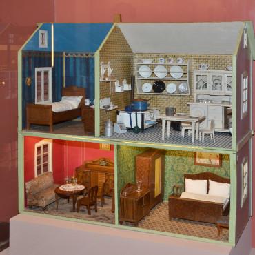 Kuchyňky a pokojíčky aneb jak bydlely panenky