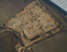 Letecký pohled na plochu výzkumu v areálu Tulipán Park v Hostivici.