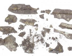 Renesanční skleněná láhev (17. - 1. pol. 18. století) – stav před restaurováním