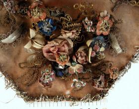 Detail relikviáře. Stav před restaurováním.