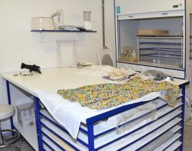 Laboratoř konzervace a restaurování textilu