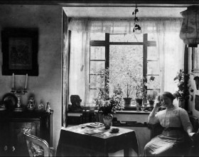 Zdenka Braunerová ve svém ateliéru