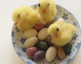 Výtvarka z muzea | Velikonoční kuřátko z vlny